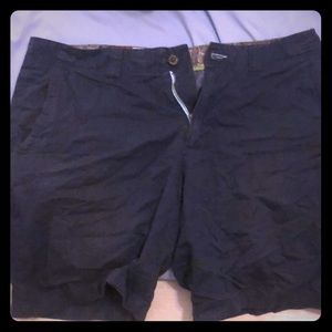 Modern amusement shorts
